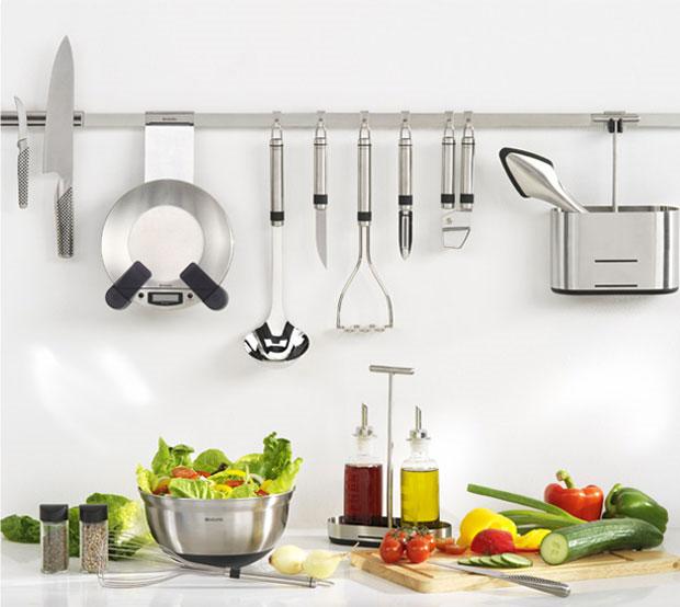 C mo colgar los utensilios de cocina for Soporte utensilios cocina
