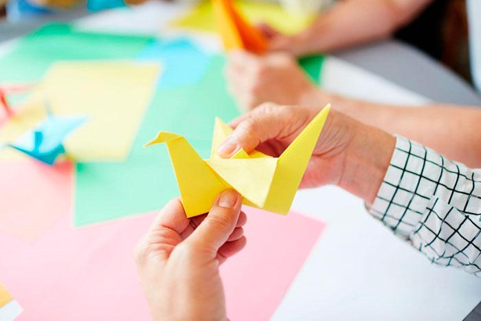 Grullas hechas con origami