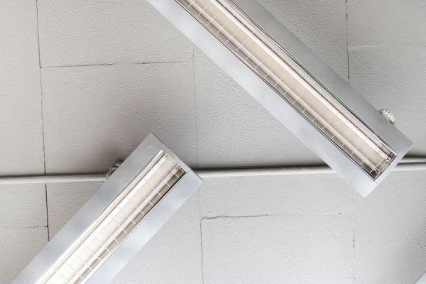Cómo reparar una lampara o tubo cuya luz oscila