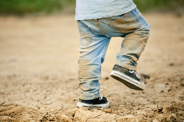 Métodos para quitar manchas de barro. Cómo eliminar las manchas de barro en la ropa, alfombras, madera o piedra.