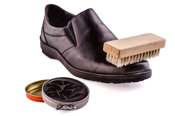 Truco para eliminar las manchas de betún en la ropa o manos. Tips para quitar manchas de betún.