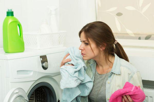 Métodos caseros para quitar manchas de moho en la ropa. Cómo eliminar el moho de las prendas