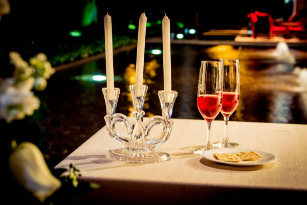 Ideas para una cena rom ntica en casa for Preparar cita romantica