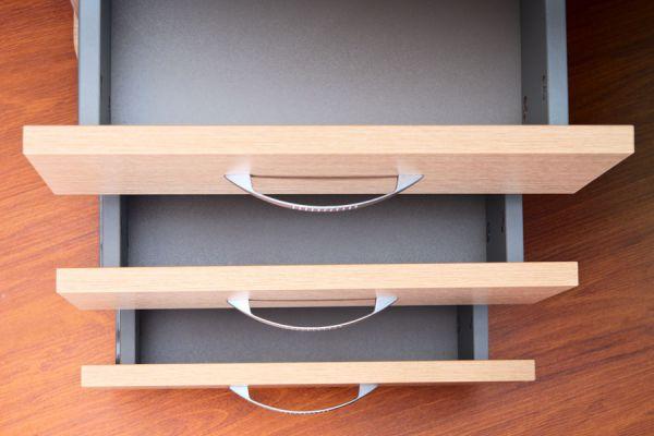 Cómo forrar cajones y estantes