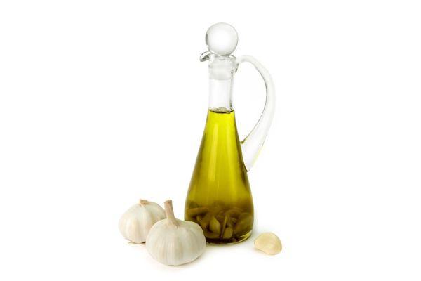 Cómo preparar aceite con sabor a ajo