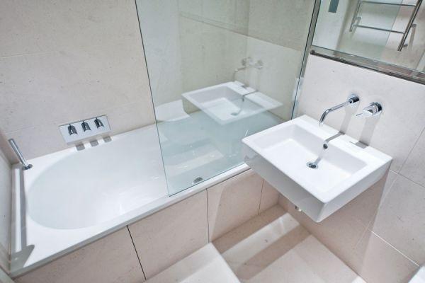 C mo limpiar las mamparas del ba o - Como limpiar la mampara de la ducha ...