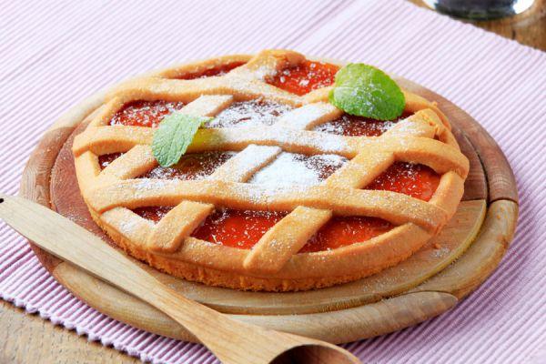 Pasta frola con dulce de membrillo y harina leudante. Receta original