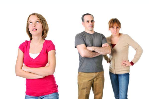 Causas de la violencia en los adolescentes. Consejos para actuar frente a adolescentes violentos