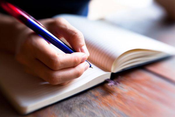 Cómo Escribir un Ensayo