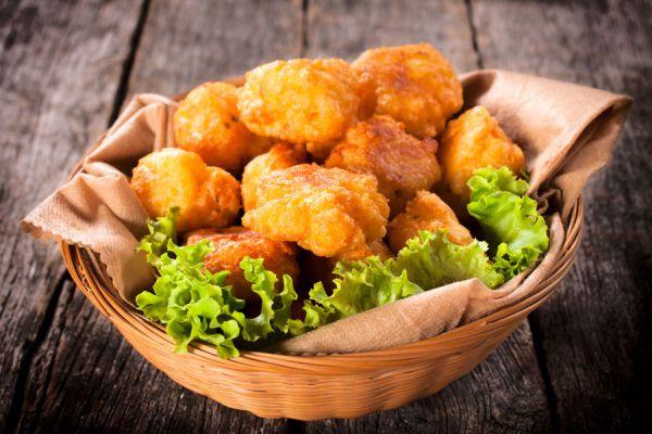 Cómo preparar queso de bola relleno con pollo