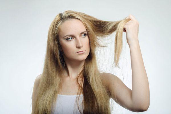 Las vitaminas y y e las máscaras contra la caída de los cabello