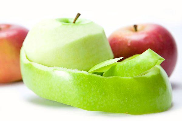 Como utilizar las cáscaras de manzanas para el acné