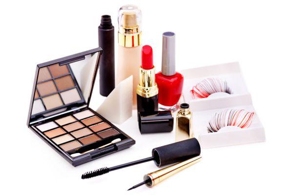 Como hacer un kit de maquillaje