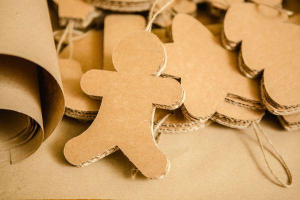 Pasos para crear adornos tridimensionales para el pino en navidad. Ideas muy originales para hacer adornos tridimensionales con cartón en Navidad.