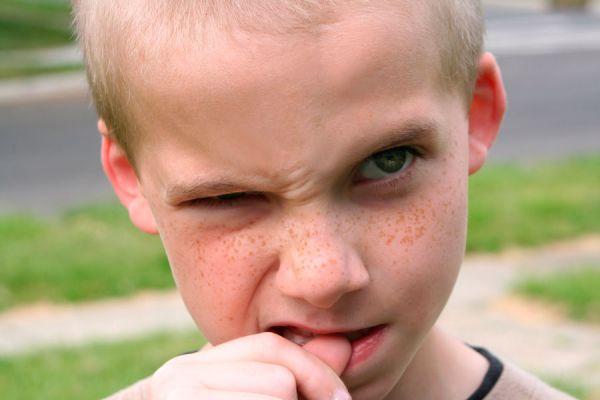 ¿Que hacer si tu hijo se come las uñas? Algunos consejos para corregir a los niños que tienen el hábito de comerse las uñas