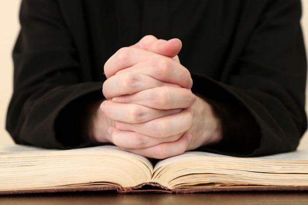 ¿Cual es la mejor manera de rezar? Algunos detalles sobre el significado de rezar. Aprende a rezar correctamente
