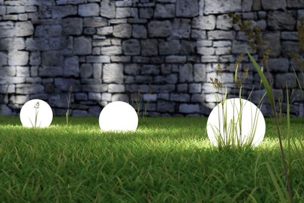 Consejos para iluminar el jardín. Técnicas de iluminación del jardín. Cómo iluminar el jardín para crear un sitio seguro. Iluminación exterior