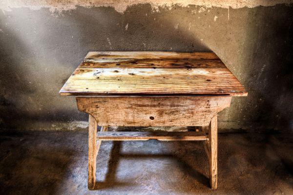 Tips para tratar por carcoma a los muebles - Como tratar la madera ...