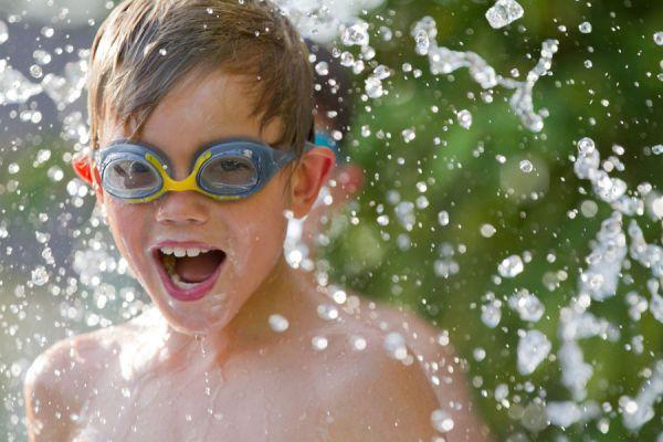 Ideas para Entretener a los Niños en los Días de Calor. Como jugar y entretener a los niños en verano