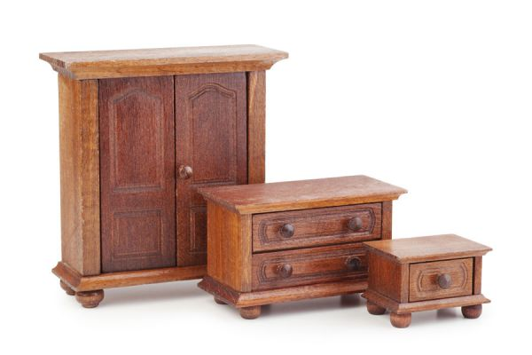 C mo restaurar muebles de madera y mesas en el hogar for Lavado de muebles de madera