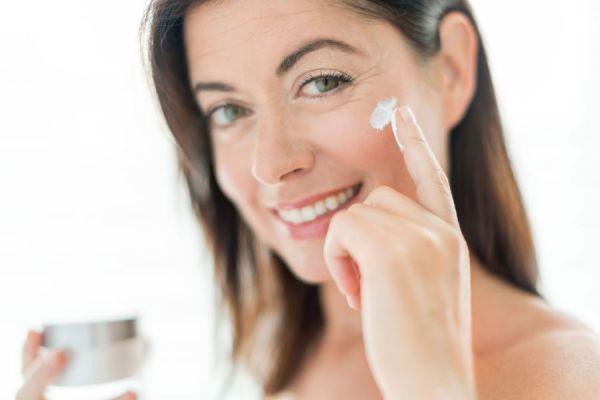 Cómo prevenir las arrugas en el rostro