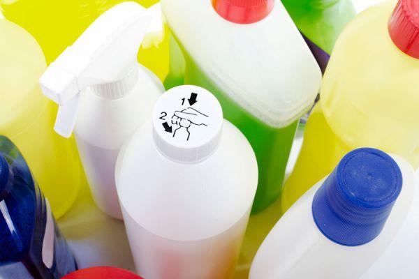 Cómo evitar intoxicaciones por productos de limpieza