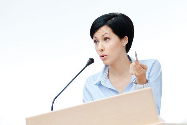 Consejos para mejorar tu oratoria. Tips para mejorar la capacidad oratoria. Como mejorar tu oratoria. Guía para desarrollar tu capacidad oratoria.