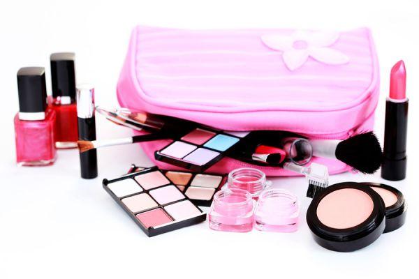 Consejos para evitar que los cosméticos se rompan al trasladarlos. Como trasladar los cosméticos de forma segura.