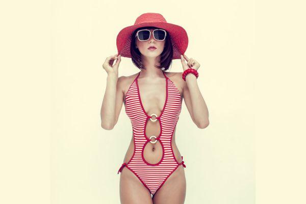 Ideas para actualizar trajes de baño de la temporada anterior. Cómo actualizar trajes de baño viejos pasados de moda. Tips para retocar trajes de baño