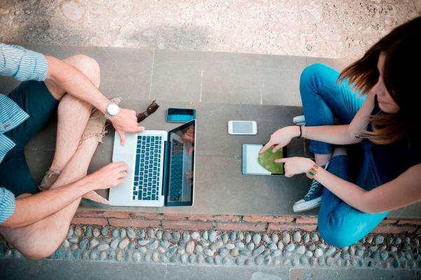Cómo reducir el uso de las tecnologías en nuestra vida. Consejos para reducir el uso de la tecnología en nuestra vida social.