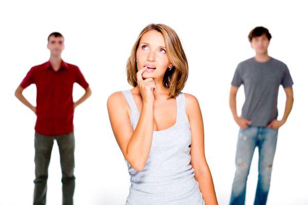 Cómo decidir entre dos amores. Qué hacer si estas enamorada de dos hombres. Cómo elegir entre uno y otro hombre. Se puede amar a dos hombres a la vez?