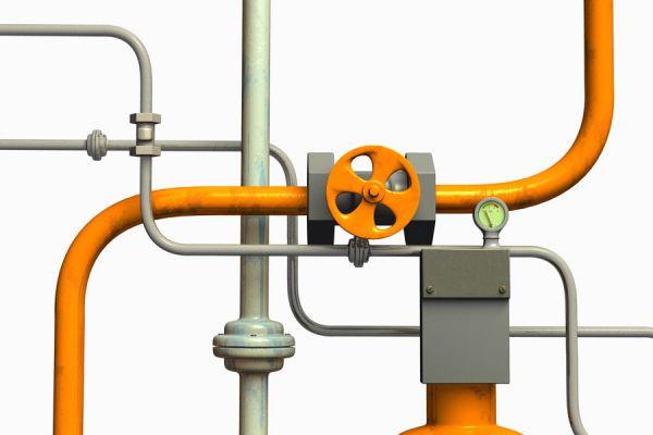 Método para unir dos tubos, uno de hierro y otro de cobre. Procedimiento para unir tubos de materiales distintos: cobre y hierro.