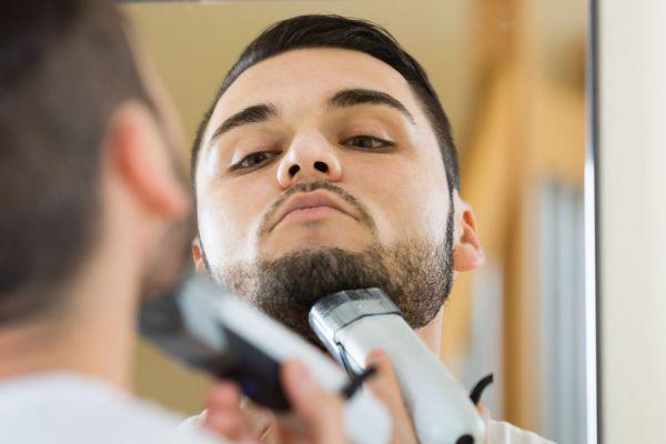 Preparar la barba antes de afeitar. Cómo afeitarnos si tenemos mucha barba.