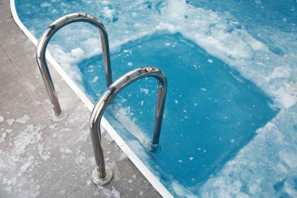 Cómo mantener las piscinas en invierno