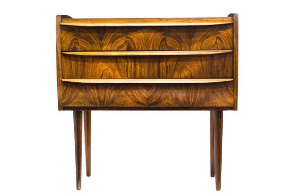 Caracter sticas de los muebles de estilo dan s for Muebles estilo l