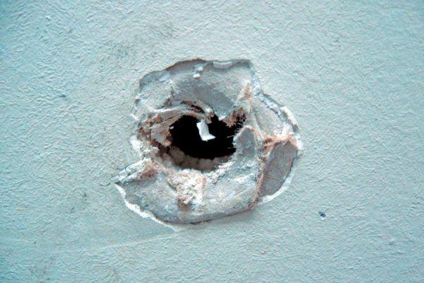 Cómo reparar una pared con enduido plástico - Video