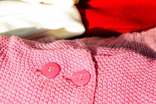 Tips para el lavado de prendas de jersey. Cómo quitar las pelotitas en la ropa de jersey.