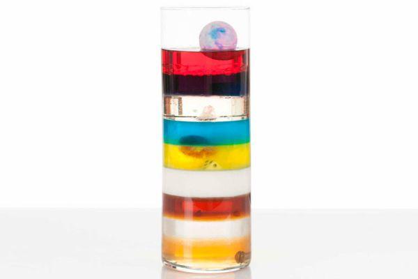 Cómo hacer un  adorno con capas de colores. Decoración con distintos colores. Columna multicolor. Adorno con capas de distintos colores