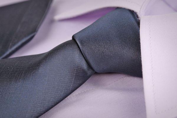 Cómo hacer el nudo de corbata simple - Video