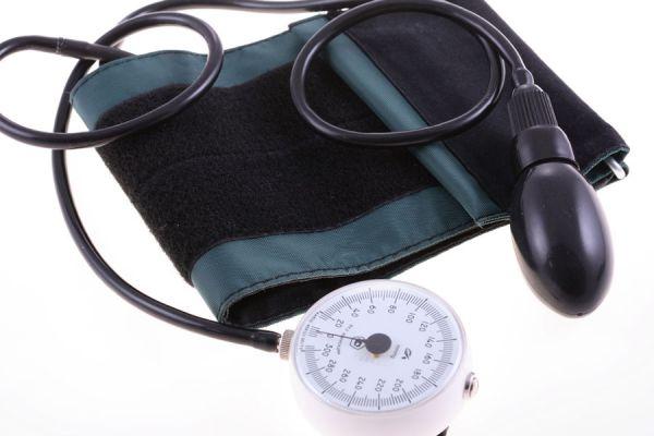 Cómo tomar la presión arterial - Video