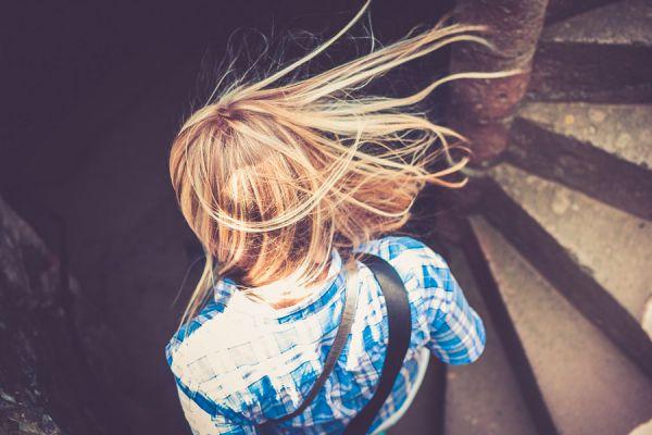 Tips de peinados para lucir más delgada. Cómo peinarse para aparentar otra figura. Cómo verse más delgada con un peinado