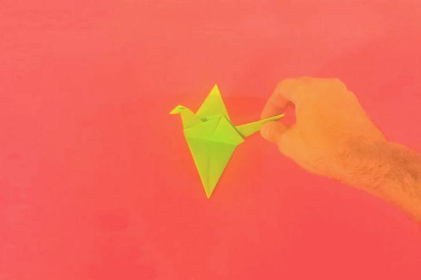 Cómo hacer una grulla de papel