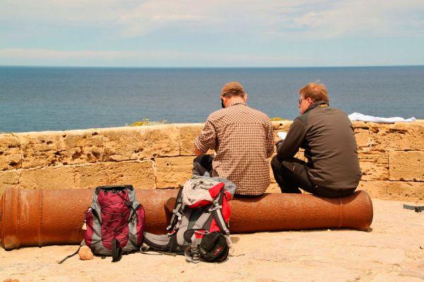 Si vas a viajar de excursión, no te olvides de guardar todo en tu mochila. Sigue esta lista de cosas que debes llevar a una excursión o de viaje