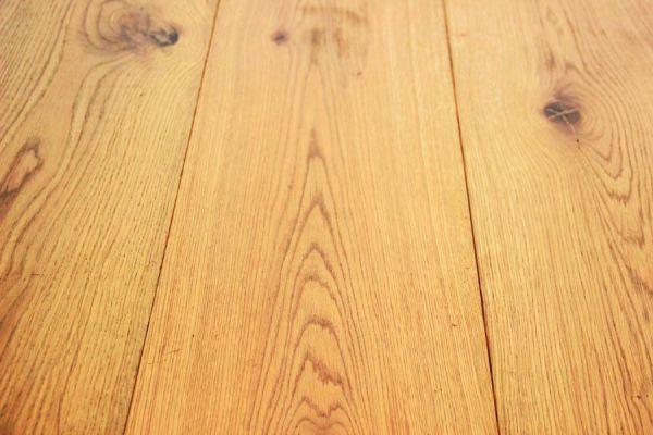 Como limpiar suelo de madera interesting sugerencias para for Abrillantar suelo porcelanico mate