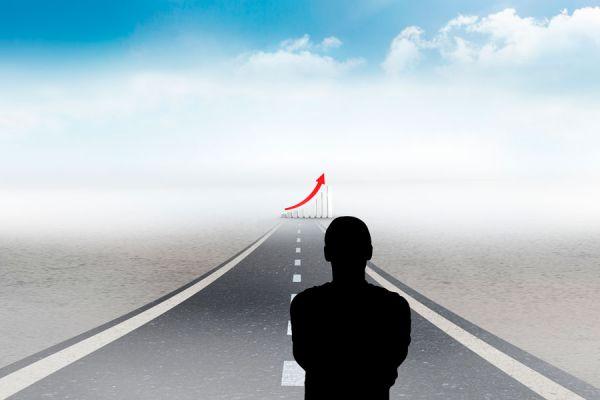 Seguir una meta establecida es clave para lograr buenos resultados en un negocio.