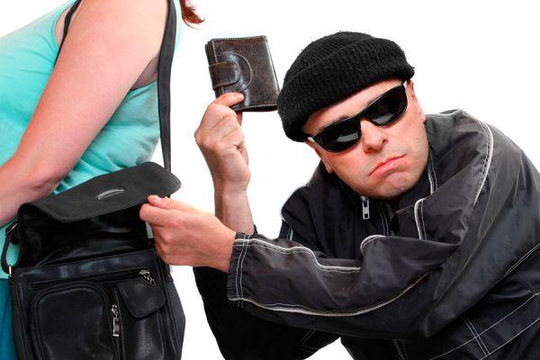 Consejos para prevenir robos en vacaciones. Como evitar que nos roben en vacaciones. Tips para evitar los robos durante un viaje