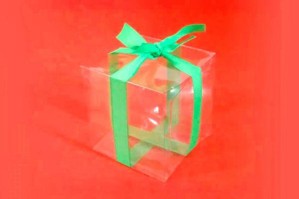 Guia para crear una caja transparente con dos botellas de plástico. Cómo reciclar botellas de plástico y hacer una caja para regalar