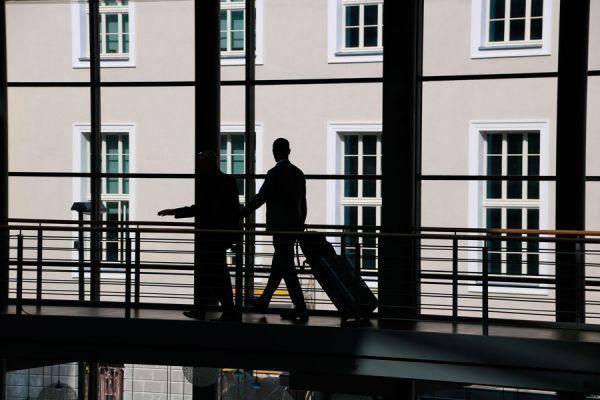 Métodos para organizar los viajes de negocios en la empresa. Tips de ahorro para los viajes de negocios