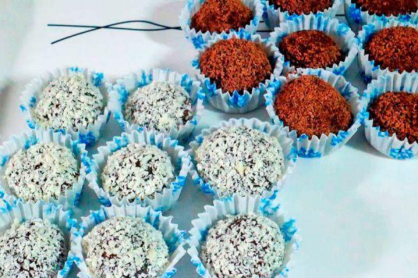 Ingredientes y preparación para hacer brigadeiros. Receta facil para preparar brigadeiros. Brigadeiros, un dulce típico de brasil