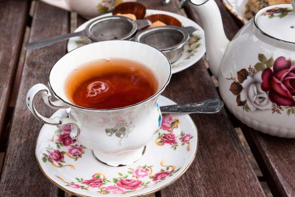 Temperatura y tiempos de reposo del té. Tiempo de infusión del té al prepararlo. cómo preparar distintos tipos de té, tiempo de reposo y temperatura